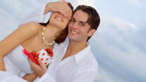 How to Surprise your Spouse with Anniversary Gift